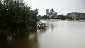 Small 37328736 32782 france flood paris nportal.no
