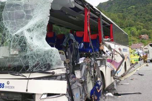 Small big 832829 crash bus norway nportal.no