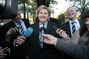 Small big erna solberg nportal.no 1