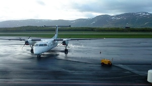 Small wideroe dash 8 in bronnoysund
