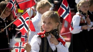 Small norwaygirlflag