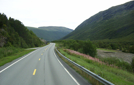 Small road in norway 1